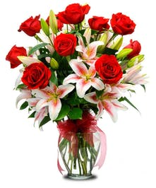 Lilies & Roses Delivered to Trumbull (CT) Same-day Delivery