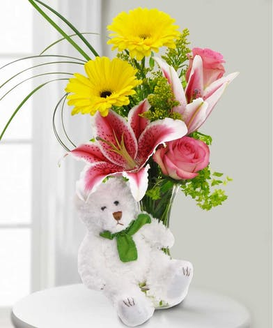 Cheer up with this beary bouquet!