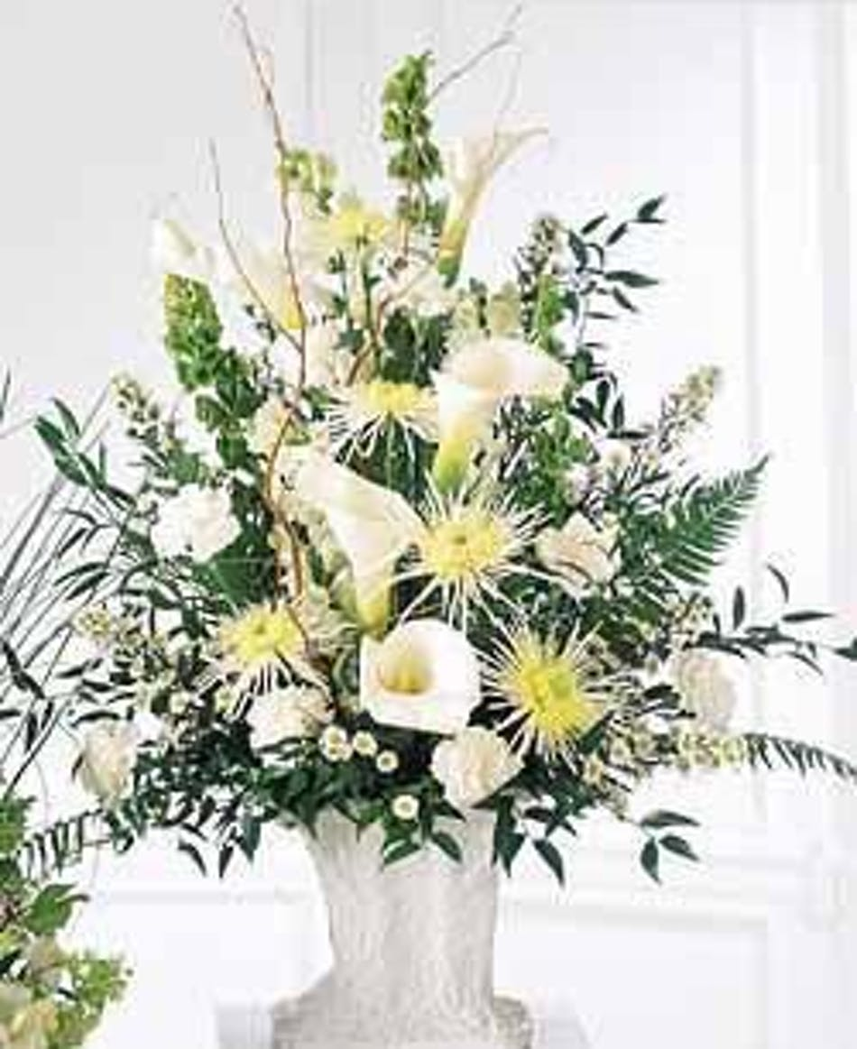 A solemn offering feauturing beautiful calla lillies available a solemn offering feauturing beautiful calla lillies available same day flower delivery to derby shelton ct new york city line florist trumbull ct izmirmasajfo